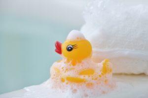 ワンオペ育児の意味とは?1人でお風呂を乗り切る楽なやり方とは?