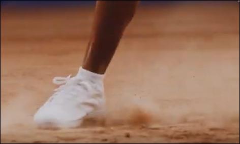 アリエールのCM2019!白衣の男性とテニスをしている外国人女子は誰?3