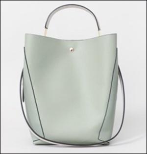 私定時で帰ります(6話)吉高由里子の服装やバッグのブランドは?8