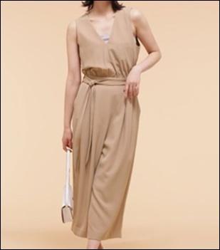 私定時で帰ります(6話)吉高由里子の服装やバッグのブランドは?12
