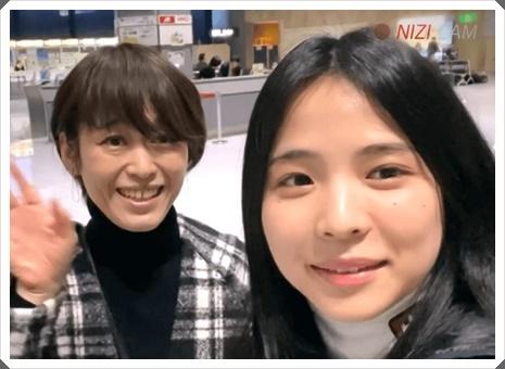 勝村摩耶(NiziUマヤ)の両親や兄弟の家族構成は?母が美人で似てる?3
